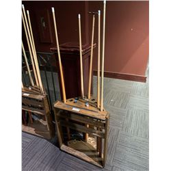 Dufferin solid wood cue rack with 5 cues