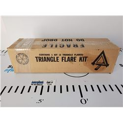 Grote Triangle Warning Kit #71422 * New in Box *