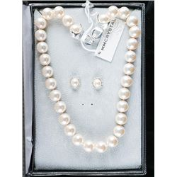 Michelle M. Pearl and Swarovski Necklace and Earring Set.