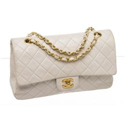 Chanel Chanel White Lambskin Leather Classic Medium Double Flap Bag