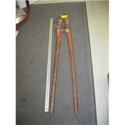 LARGE SET OF BOLT CUTTERS
