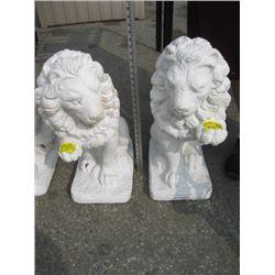2 LION STATUES