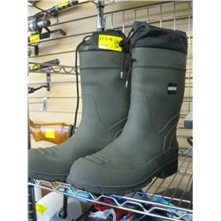 PR OF SIZE 12 INSULATED RUBBER BOOTS
