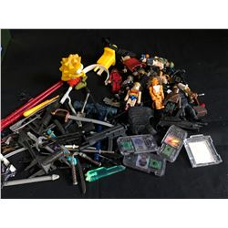 VINTAGE TOY WEAPONS & ACCESSORIES LOT