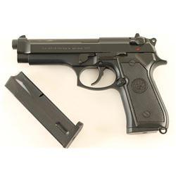 Beretta Model 92FS 9mm SN: BER323521Z