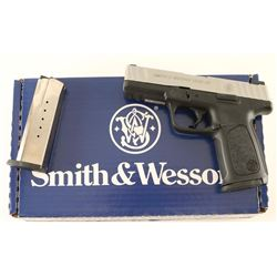 Smith & Wesson SD40 VE .40 S&W SN: FZX7951