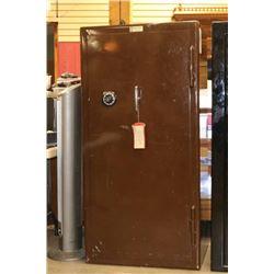Vintage Pro Steel Safe