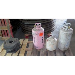 Qty 3 Propane Tanks & Rubber Stands