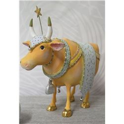 """Holiday Decorated Bull w/ Saddle, Star & Maker's Mark PB 09 - 7"""" Height"""