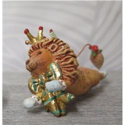 """Holiday Decorated Lion w/ Crown, Cape & Maker's Mark PB* - 2.5"""" Height"""