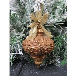 Metal Raised Swirl Design Sphere Shaped Christmas Tree Ornament w/ Bow