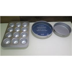 Qty 2 Williams Sonoma Traditional Touch Round Cake Pans & Muffin Tin