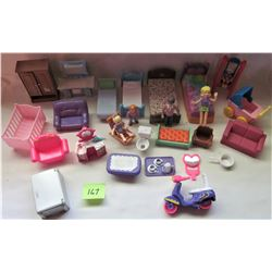 LOT ASST DOLL HOUSE FURNITURE & PEOPLE ACCESSORIES