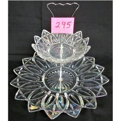 VINTAGE CLEAR IRIDESCENT 2 TIER SERVING PLATTER / SILVER HANDLE