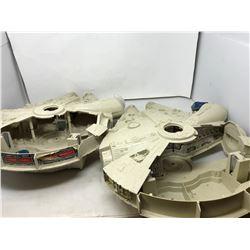 2 Mellenium Falcons (Star Wars)