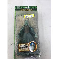 2005 Lord of the Rings Galadriel Entranced (Lights up and Glows)
