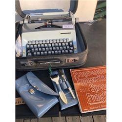 Cavalier speed writer 1960's typewriter with case