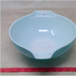 Pyrex Bowl