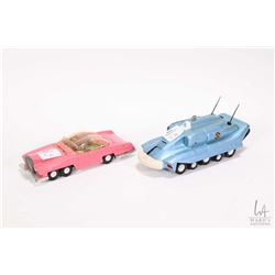 Dinky Toys Lady Penelope's Fab 1 Thunderbird with driver and passenger and a Dinky Toys Spectrum Pur