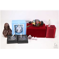 Selection of Christmas ornaments including Ne'Qwa Art reverse painted glass ornament in fitted box,