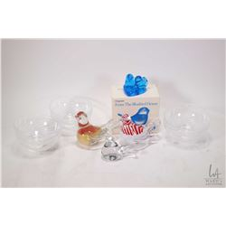 Tray lot of art glass including two Marcolin Sardinia Crystal birds, one with 24 carat gold interior