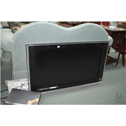 Sony Bravia LCD televsion model KDL-40XBR3 plus Qisheng DVD player, no remotes found and no stand fo
