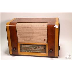 Table top Philips Type CM50A AM radio, working at time of cataloguing