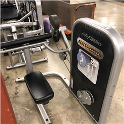 LIFE FITNESS BICEPS CURL MACHINE