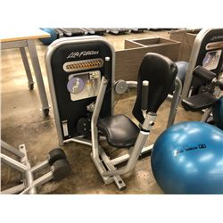 LIFE FITNESS CHEST PRESS MACHINE