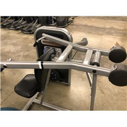 LIFE FITNESS SHOULDER PRESS MACHINE