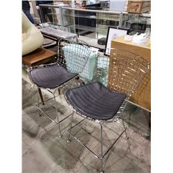 2 METAL FRAMED CHAIRS