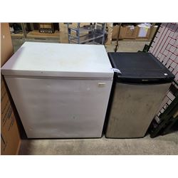 FREEZER & MINI FRIDGE