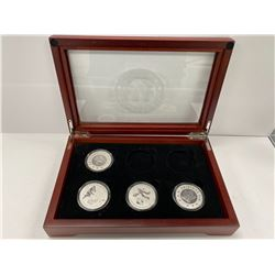 BRADFORD EXCHANGE VINTAGE ORIGINAL 6 HOCKEY THEMED COIN COLLECTION IN CASE