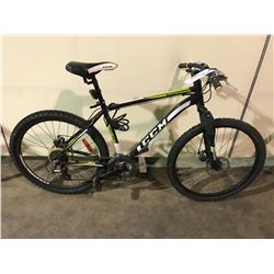 BLACK CCM INCLINE 24-SPEED FRONT SUSPENSION MOUNTAIN BIKE W/ FULL DISK BRAKES