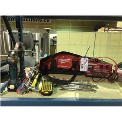MILWAUKEE TOOL BAG, MOTOMASTER BATTERY CHARGER  & 2 MAKITA CORDLESS GRINDERS