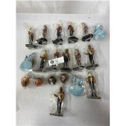 Nice Lot Of Star Trek Figures, Etc