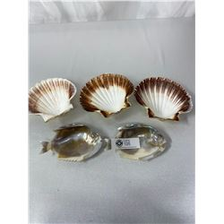 5pc Vintage Sea Shells, Includes 2 Large Oyster Shells Carved Into Pirahhna's, 3 Large Clam Shells