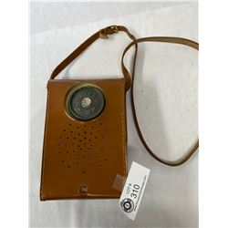 1946 RCA Victor Portable Radio, Model 54B1