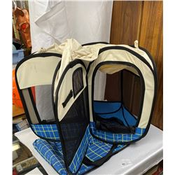 Pop Up Dog Tent with Carrying Case in Excellent Condition