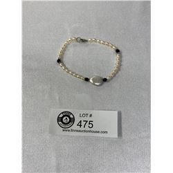 Very Nice Real Pearl and Black Onyx Bracelet with a .925 Clasp