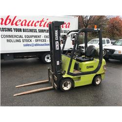 1999 CLARK CMC 18 3000 LBS 3 STAGE PROPANE COUNTER BALANCE FORKLIFT HOUR METER READS 04546 HRS (