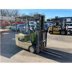 CLARK TMG15 1998 2600LBS CAPACITY 3 STAGE ELECTRIC FORKLIFT (NO CHARGER)