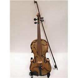 1930'S SERCA CANADIAN MADE VIOLIN WITH LICHTENBERG