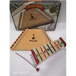 VINTAGE KIDS XYLOPHONE AND MELODY HARP