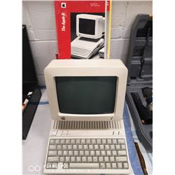 1984 APPLE'S FIRST EDITION HOME COMPUTER. COMES