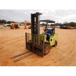 CLARK GPS30 Forklift - Mast