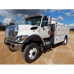 2015 INTERNATIONAL 7400 Fuel / Lube Truck