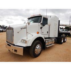 2015 KENWORTH T800 Sleeper Truck