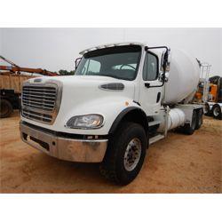 2009 FREIGHTLINER M2 Concrete Mixer / Pump Truck