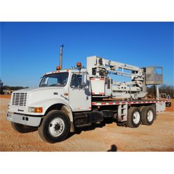 1998 INTERNATIONAL 4900 Bridge Inspection / Ladder Truck